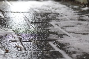 1280px-Black_ice_on_footway